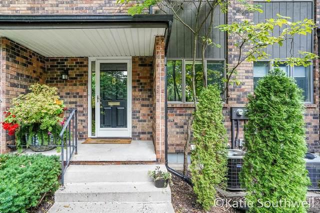 537 Greenwood Avenue SE C, EAST GRAND RAPIDS, MI 49506 (#65021104608) :: Robert E Smith Realty