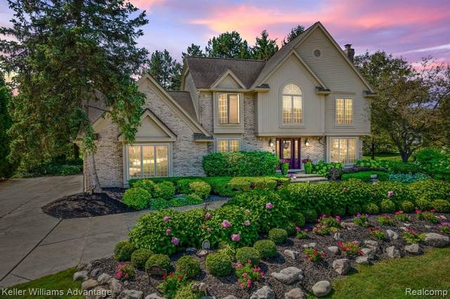 1001 Elmsmere Drive, Northville, MI 48167 (#2210075141) :: Duneske Real Estate Advisors