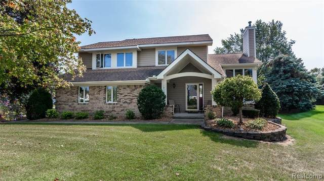 10793 Oxbow Heights Drive, White Lake Twp, MI 48386 (#2210075150) :: Real Estate For A CAUSE