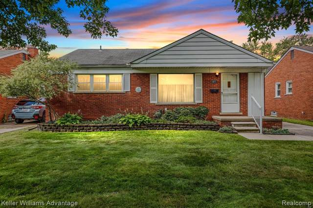 8975 Kinloch, Redford Twp, MI 48239 (#2210075570) :: GK Real Estate Team