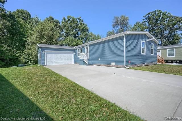 4105 Emerald Park Drive, Highland Twp, MI 48380 (#2210075660) :: The Vance Group | Keller Williams Domain