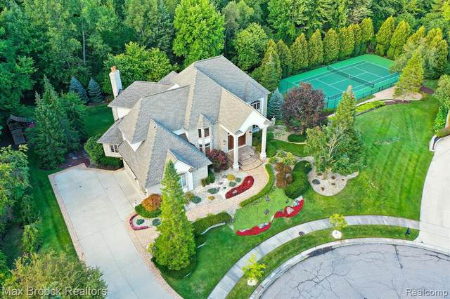 22520 Amberlund Court, Novi, MI 48374 (#2210075664) :: Duneske Real Estate Advisors