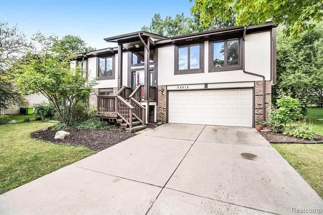 25015 Buckminster Drive, Novi, MI 48375 (#2210075907) :: Duneske Real Estate Advisors
