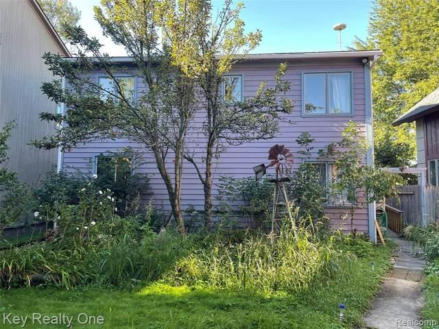 354 Tamarack Drive, Oakland Twp, MI 48363 (#2210076179) :: Duneske Real Estate Advisors