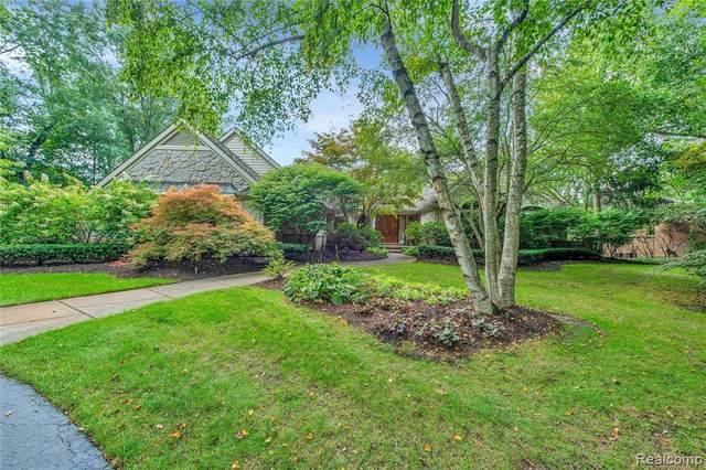 9235 Lakebluff Drive, Springfield Twp, MI 48348 (#2210076859) :: Duneske Real Estate Advisors