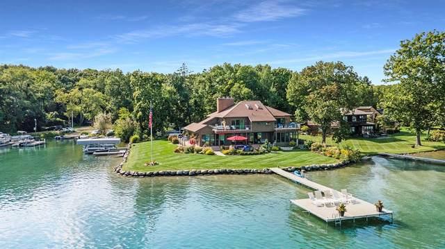 1579 W Gull Lake Drive, Ross Twp, MI 49083 (#66021105737) :: Novak & Associates