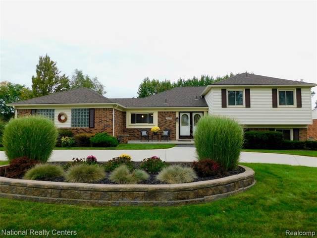 35292 Bennett Street, Livonia, MI 48152 (#2210077349) :: Duneske Real Estate Advisors