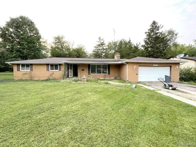 2083 Casaloma Court, Flint Twp, MI 48532 (#2210077611) :: Real Estate For A CAUSE