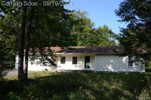 21411 Orchard Lake Road, Farmington Hills, MI 48336 (#2210077806) :: The BK Agency