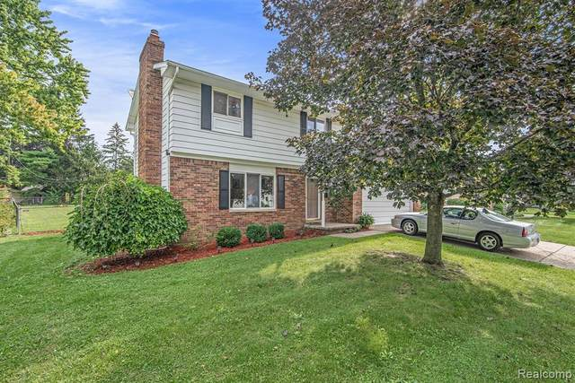 513 Autumn Drive, Flushing, MI 48433 (#2210077863) :: Real Estate For A CAUSE
