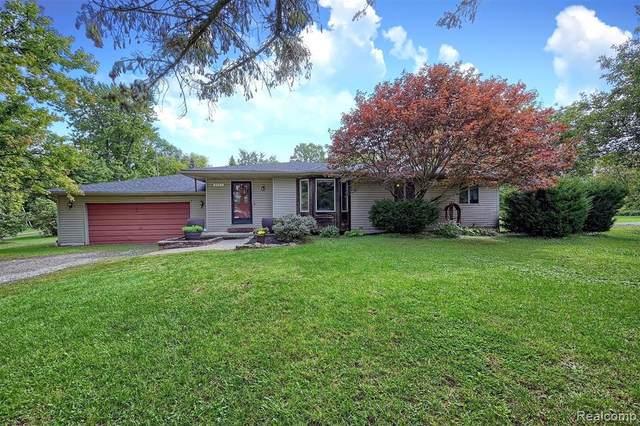 1153 Hemingway Road, Orion Twp, MI 48360 (#2210078206) :: GK Real Estate Team
