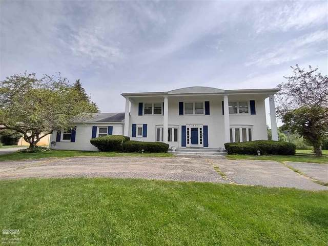 3140 Parkland Dr., West Bloomfield, MI 48322 (#58050055357) :: Robert E Smith Realty