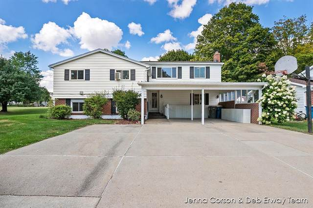 128 Manor Drive, Middleville Vlg, MI 49333 (#65021106646) :: Novak & Associates