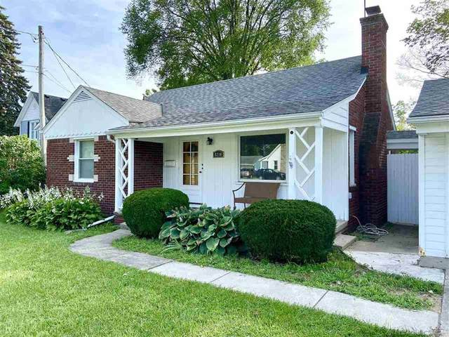 8210 Clinton River Rd, Sterling Heights, MI 48314 (#58050055485) :: The BK Agency