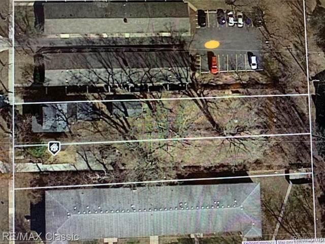 300-304 Baker, Royal Oak, MI 48067 (#2210078701) :: National Realty Centers, Inc