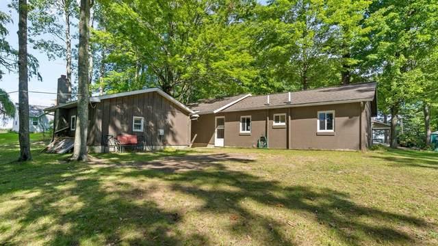 11240 Oak St, Chippewa Twp, MI 49631 (#72021106733) :: Alan Brown Group
