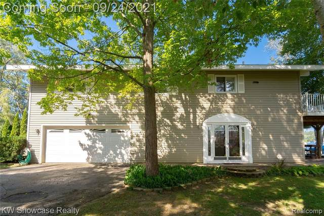 9230 Waltham Street, White Lake Twp, MI 48386 (#2210078884) :: Real Estate For A CAUSE