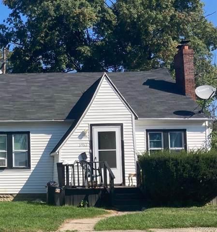 1912 Begole Street, Flint, MI 48504 (#2210078986) :: GK Real Estate Team