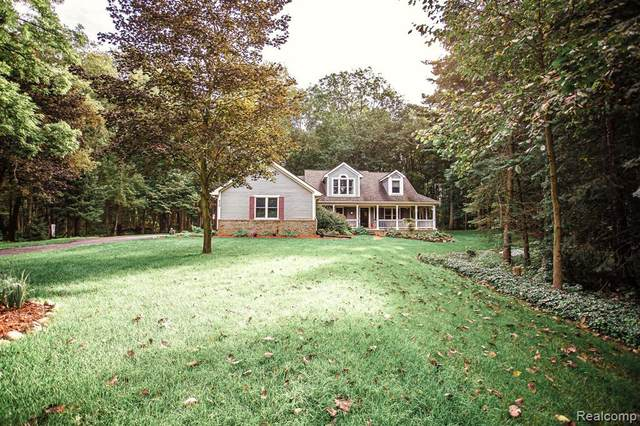958 Groveland Pines Drive, Groveland Twp, MI 48462 (#2210079103) :: Real Estate For A CAUSE
