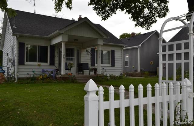 11372 N Saginaw Street, Mt. Morris, MI 48458 (#2210079255) :: GK Real Estate Team