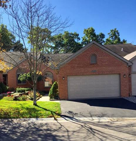 1023 Pinewood Court #29, Brighton, MI 48116 (#2210079298) :: Real Estate For A CAUSE