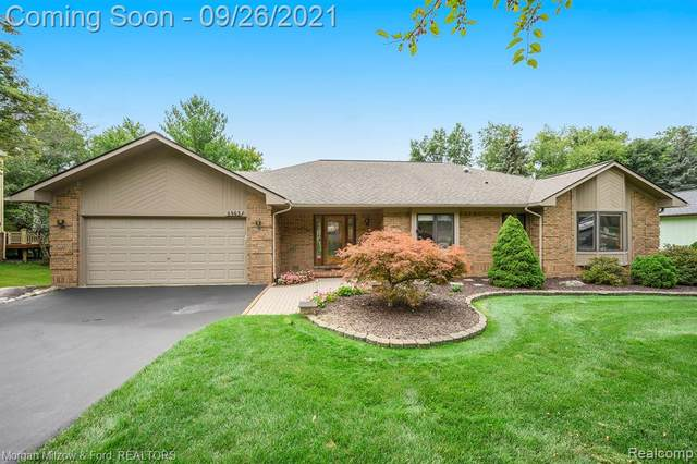 6463 Deer Ridge Drive, Independence Twp, MI 48348 (#2210079364) :: Real Estate For A CAUSE