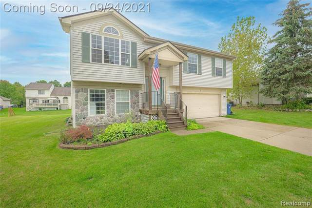 3394 Valley Rise Drive, Holly Vlg, MI 48442 (#2210079374) :: Real Estate For A CAUSE