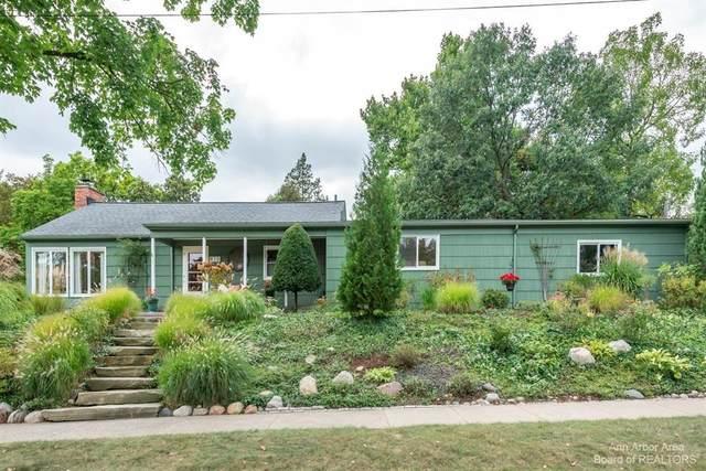 910 Berkshire Road, Ann Arbor, MI 48104 (#543284053) :: GK Real Estate Team
