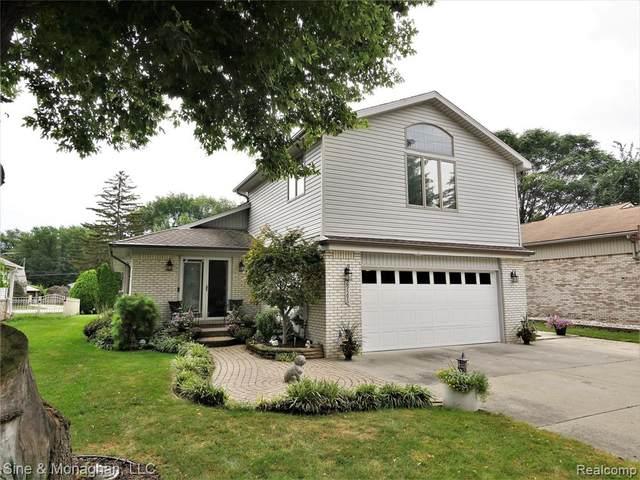 29596 Riverside Bay Court, Harrison Twp, MI 48045 (#2210079429) :: Duneske Real Estate Advisors