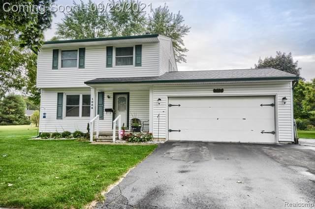 1006 Meadow Drive, Davison, MI 48423 (#2210079532) :: Real Estate For A CAUSE