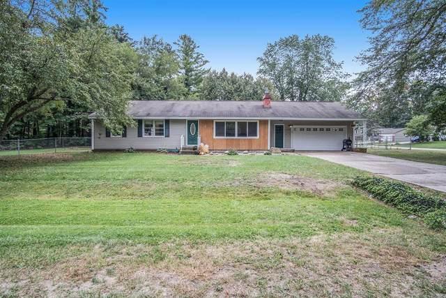 19205 Glendale Circle, Spring Lake Twp, MI 49456 (#71021107035) :: GK Real Estate Team