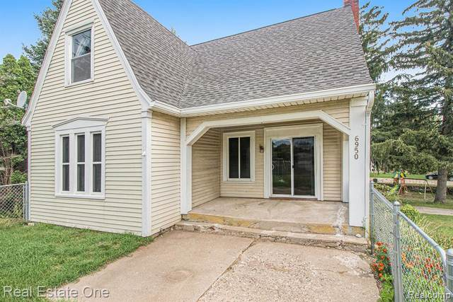 6950 Dixie Hwy, Independence Twp, MI 48346 (#2210079624) :: Duneske Real Estate Advisors