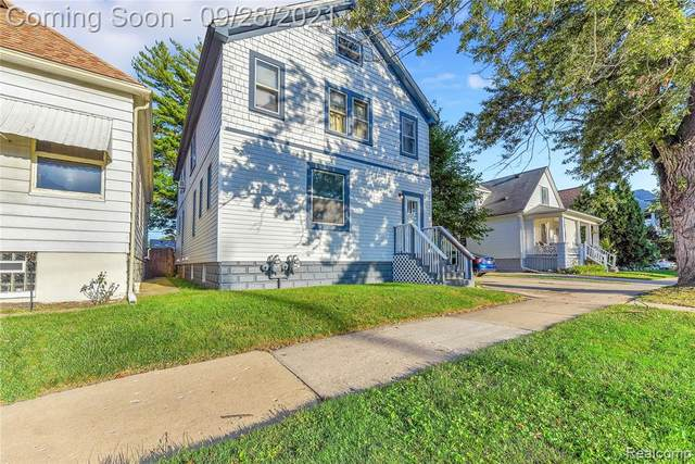 2271 10TH Street, Wyandotte, MI 48192 (#2210079672) :: Duneske Real Estate Advisors