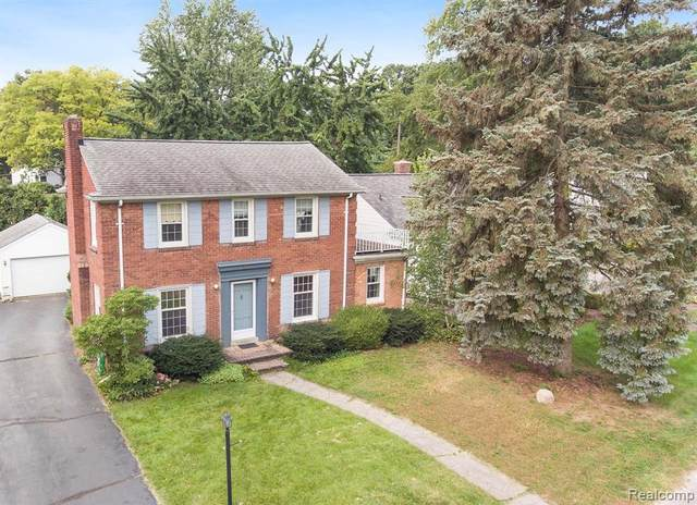 488 Shoreview Drive, Waterford Twp, MI 48328 (#2210079690) :: Real Estate For A CAUSE