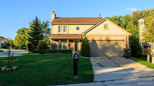 1615 Colony Drive, Rochester Hills, MI 48307 (#2210079856) :: Alan Brown Group