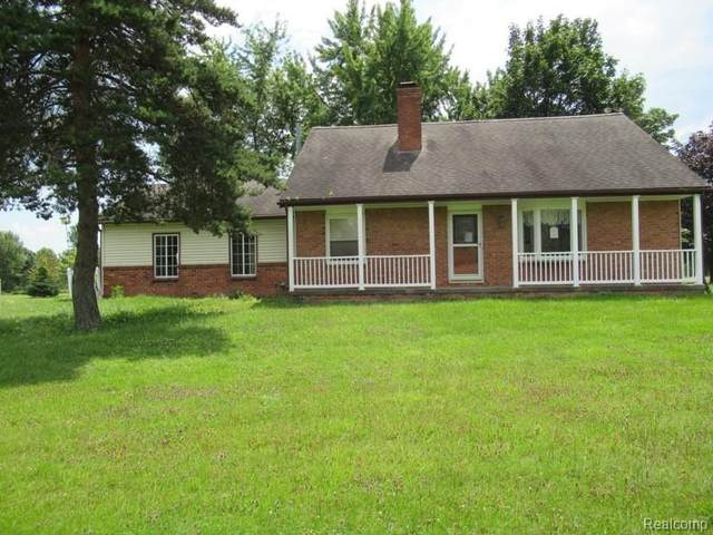 9355 Saint Clair Hwy, Casco Twp, MI 48064 (#2210079902) :: Duneske Real Estate Advisors