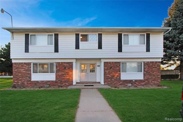 24024 Hall Road #2, Clinton Twp, MI 48036 (#2210079907) :: Duneske Real Estate Advisors