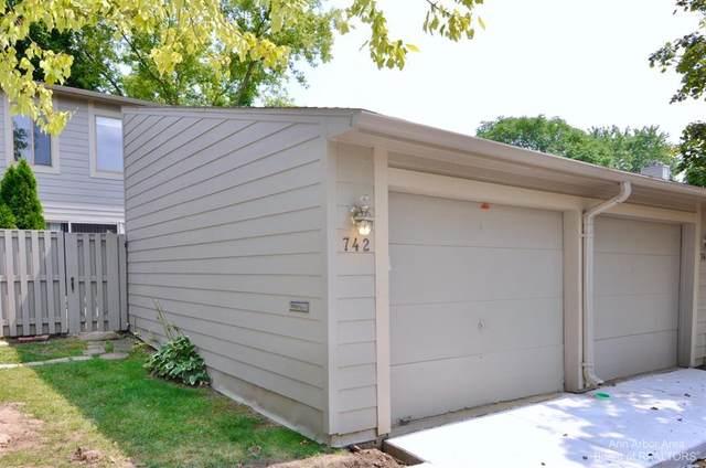 742 Watersedge Drive, Ann Arbor, MI 48105 (#543284116) :: The Vance Group | Keller Williams Domain