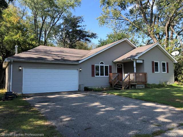 4357 E Stanley Road, Genesee Twp, MI 48437 (#2210080019) :: Robert E Smith Realty