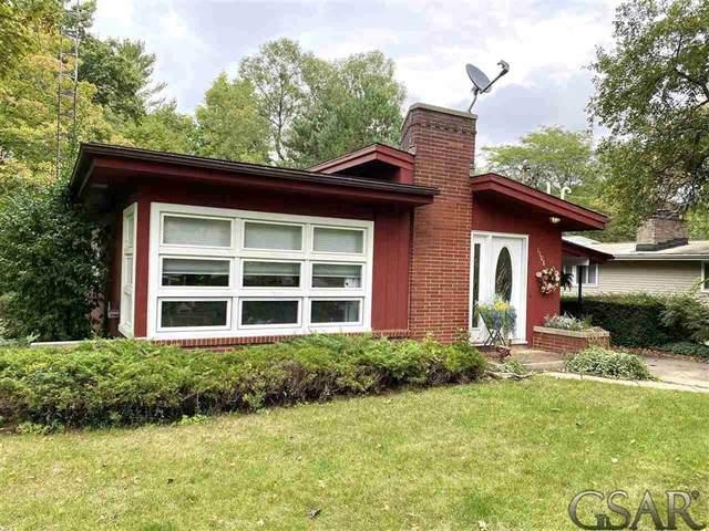 1108 Harding Ave, Owosso, MI 48867 (#60050055908) :: Duneske Real Estate Advisors