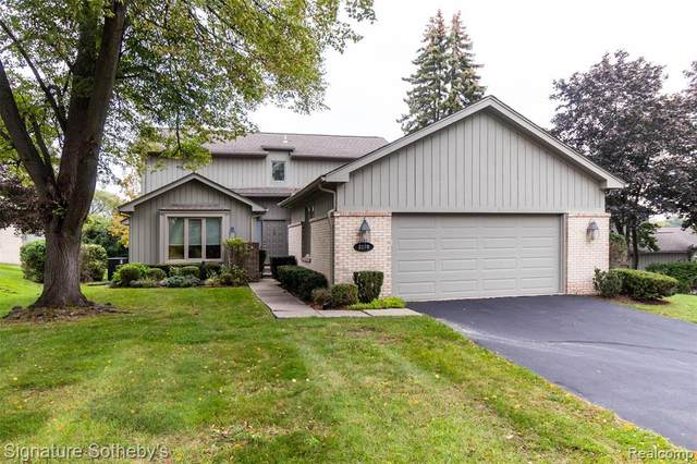 2270 Cameo Lake Crt, West Bloomfield Twp, MI 48302 (#2210080056) :: Real Estate For A CAUSE