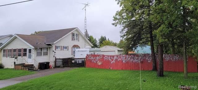 1498 E Schumacher Street, Burton, MI 48529 (#2210080062) :: Duneske Real Estate Advisors