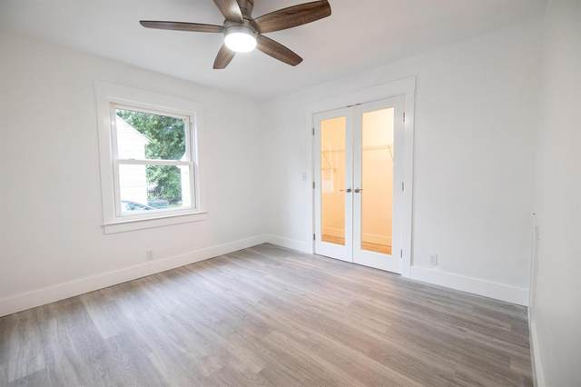 1092 Roosevelt Court, Norton Shores, MI 49441 (#71021107357) :: Duneske Real Estate Advisors