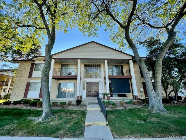 29201 Hayes Rd Unit 2, Warren, MI 48088 (#2210080186) :: Real Estate For A CAUSE