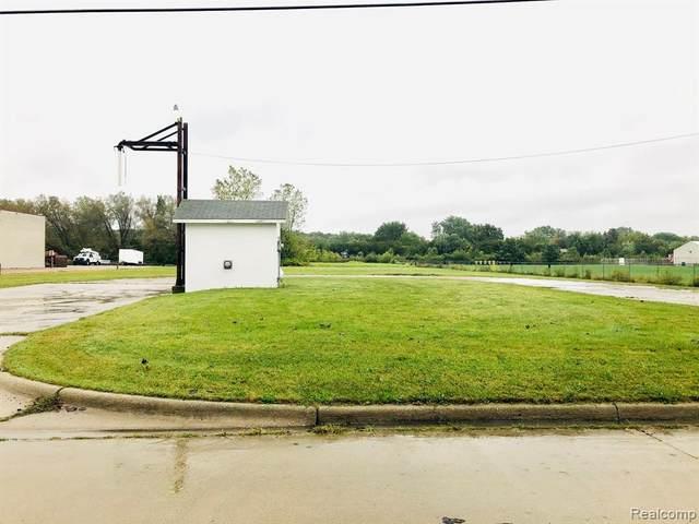 904 Huber Drive, Monroe, MI 48162 (#2210080201) :: Robert E Smith Realty
