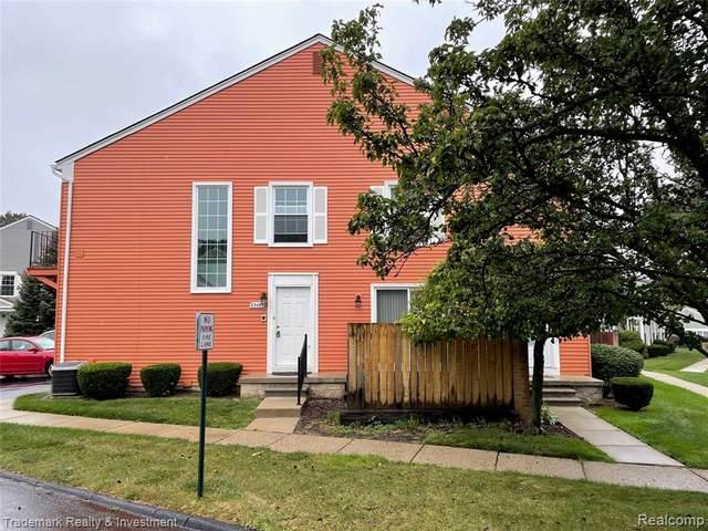 23493 Stonehenge Blvd, Novi, MI 48375 (#2210080322) :: Duneske Real Estate Advisors