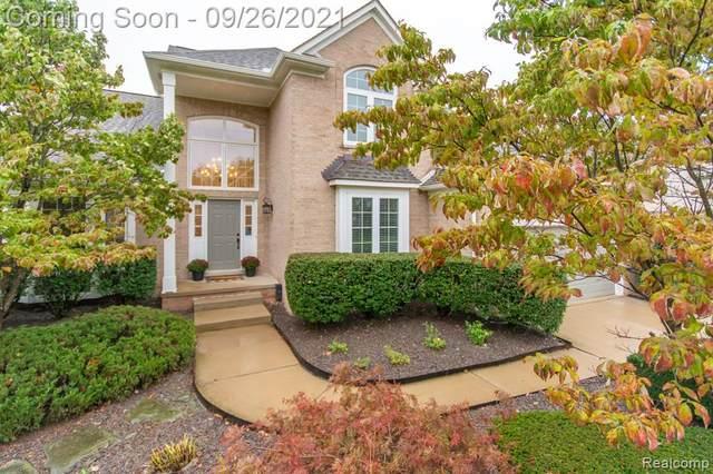 22473 Moorgate Street, Novi, MI 48374 (#2210080340) :: Duneske Real Estate Advisors
