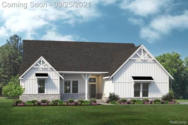 25925 Crystal Crk E, Lyon Twp, MI 48178 (#2210080431) :: Duneske Real Estate Advisors