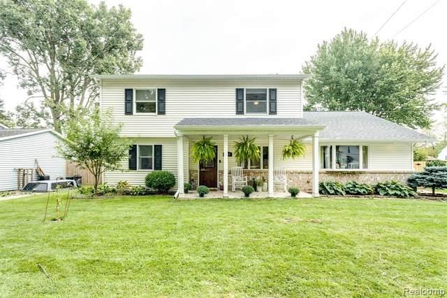 1313 New Hampshire Avenue, Marysville, MI 48040 (#2210080796) :: The Mulvihill Group