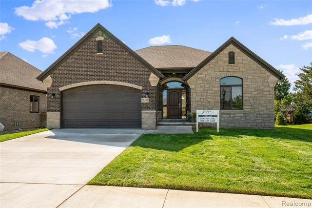 55254 Hanford Court, Shelby Twp, MI 48316 (#2210080931) :: The Mulvihill Group